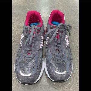 New Balance 990 Womens Running Shoes Breast Cancer